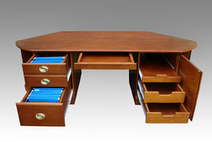 mahogany-desk-open-big