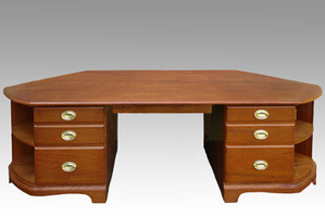 mahogony-desk-closed-big